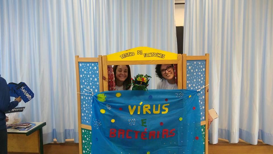 Show de aprendizado: os alunos do Jovem Doutor produziram uma peça teatral para ensinar as crianças a diferença entre vírus e bactéria.